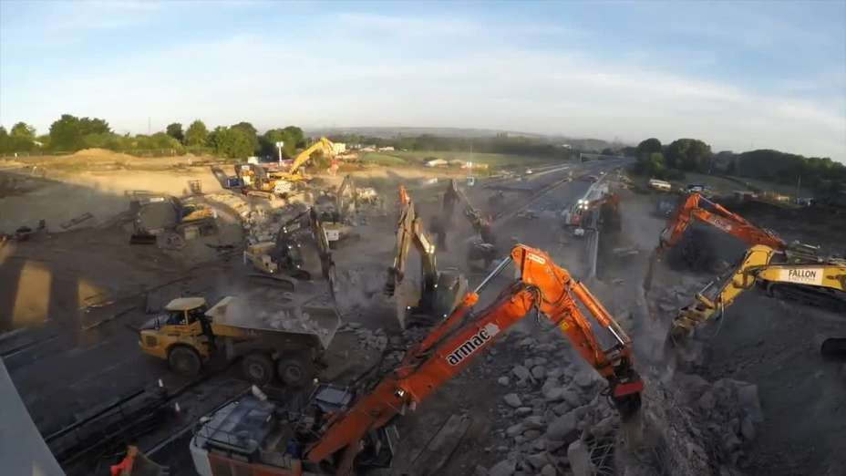 Bridge demolition over the M1 in Bedfordshire